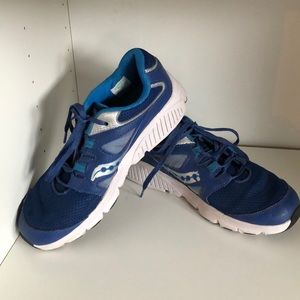 Saucony Big Boys size 5 sneakers Blue
